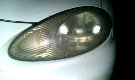 hazy car headlights-forumrunner_20121018_210930.jpg