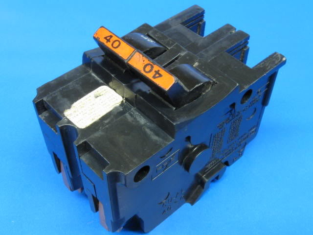 Federal Pacific stab-lock circuit breaker-fpe-front.jpg