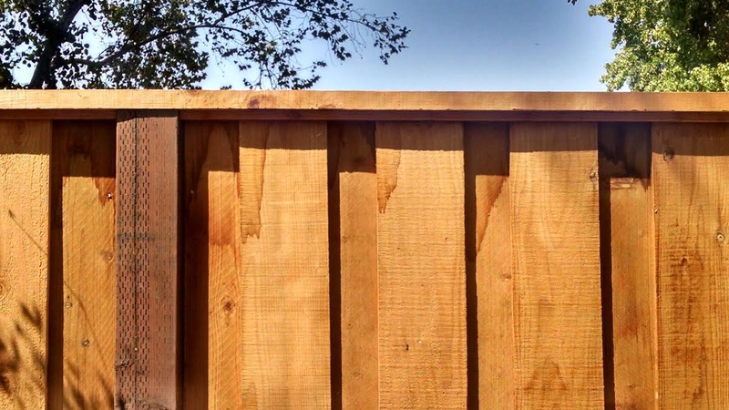 Is this redwood fencing with water damage?-frence-pic-1.jpg