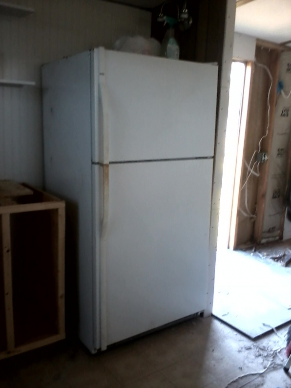 Complete Mobile Home Remodel-fridge.jpg