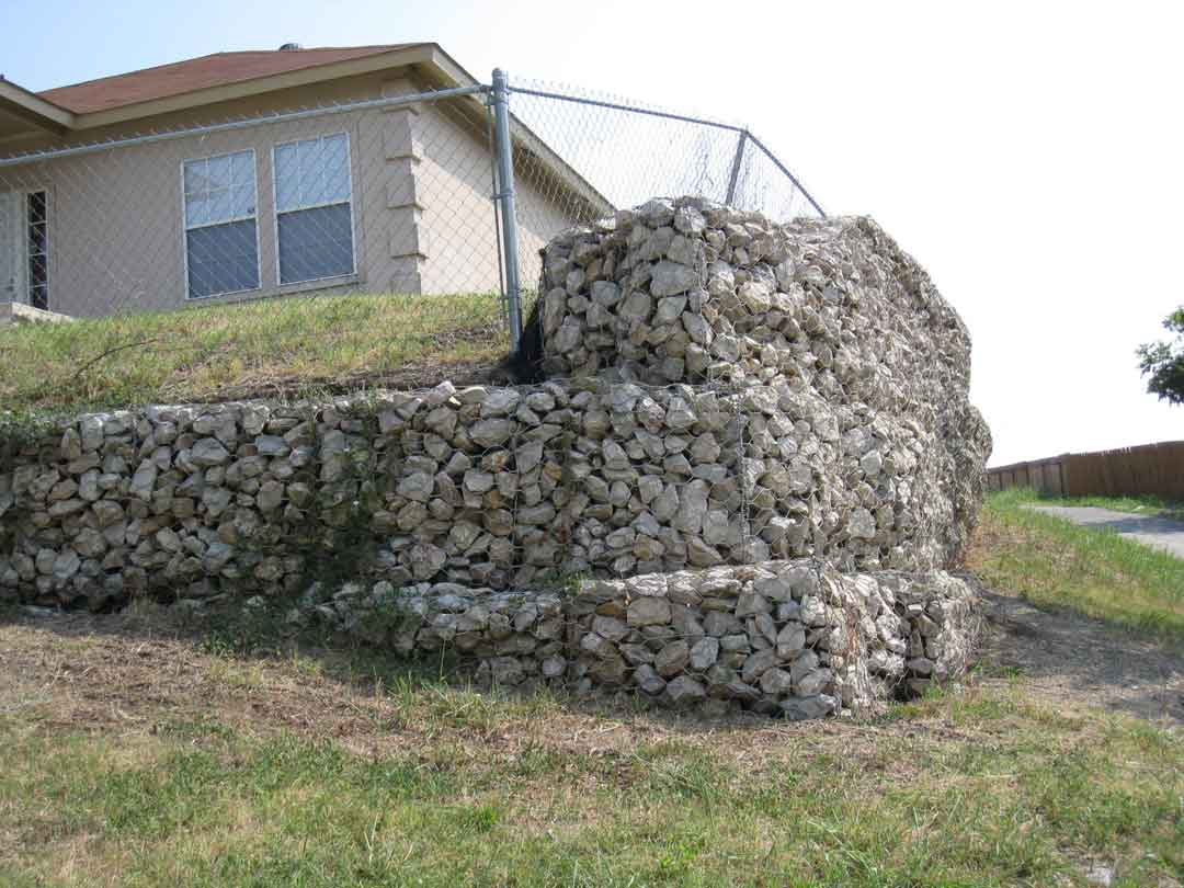 Replacing large retaining wall landscaping lawn care diy replacing large retaining wall frontg solutioingenieria Images