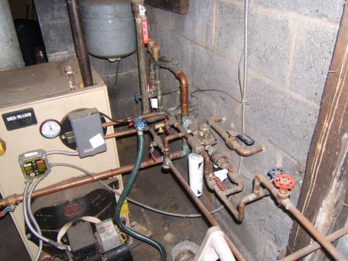watetr in the baseboard-furnace-002.jpg