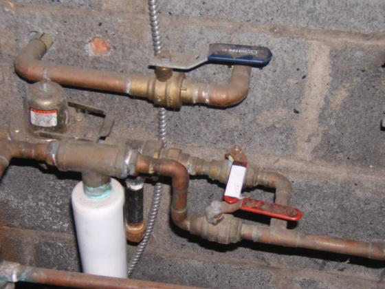 watetr in the baseboard-furnace-004.jpg