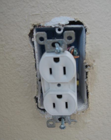 Installing new wall receptacle...-gameroom_remodel4.jpg