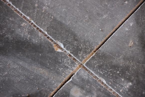 new concrete garage floor cuts w chipping-gar_floor_0779.jpg
