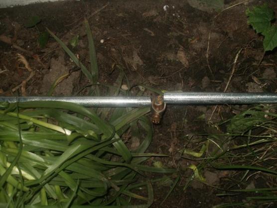 Ground rod wire in conduit?-garage-ground-conduit-2-closoeup.jpg