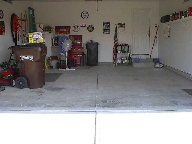 Recommendations for finishing garage floor?-garagebeforeepoxy.jpg