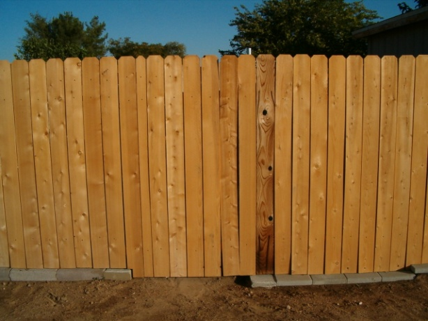 Wood Fence with metal post-gate-001a.jpg