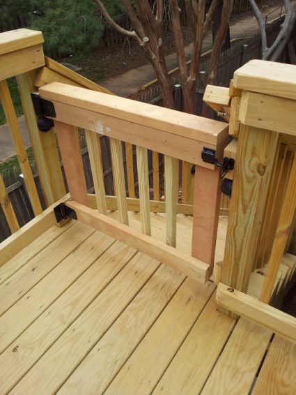 How to make a deck gate