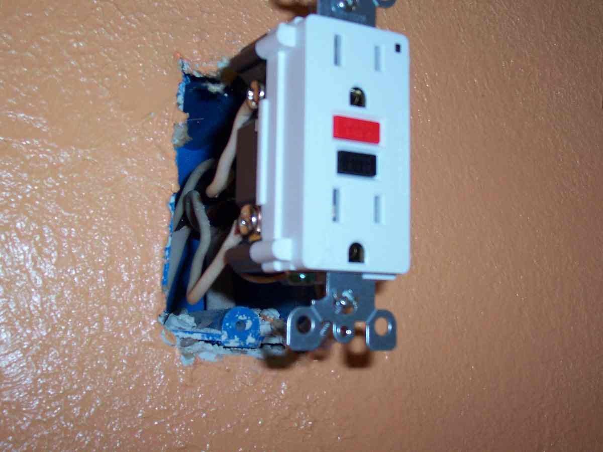 Help Installing Gfci Outlet Electrical Diy Chatroom Home How To Wire A Receptacle Gfci2 Red