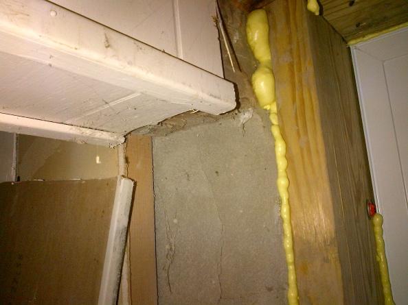 found crack in foundation - how bad is it?-girder-above-crack-foundation.jpg
