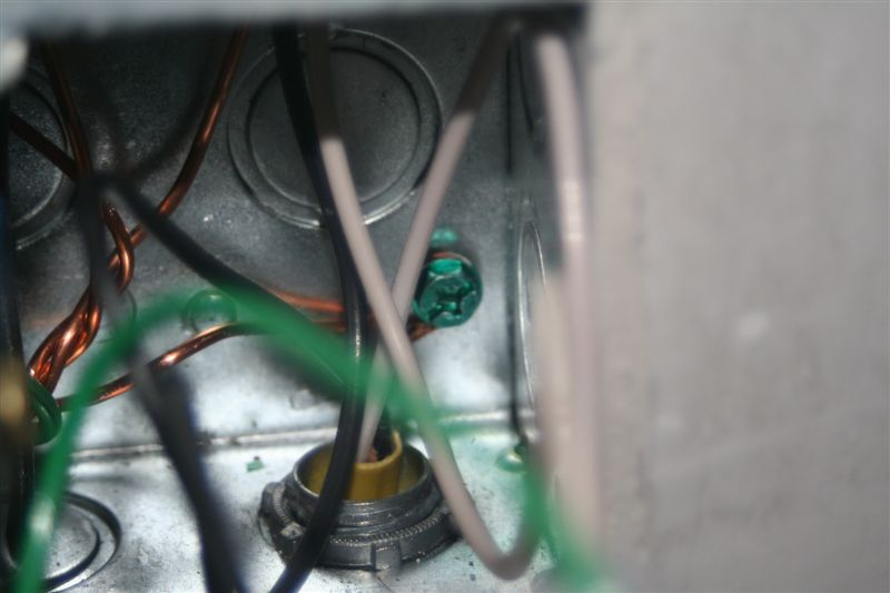 Switch Box / Outlet Photos (with mid wire skining)-green-ground-screw.jpg