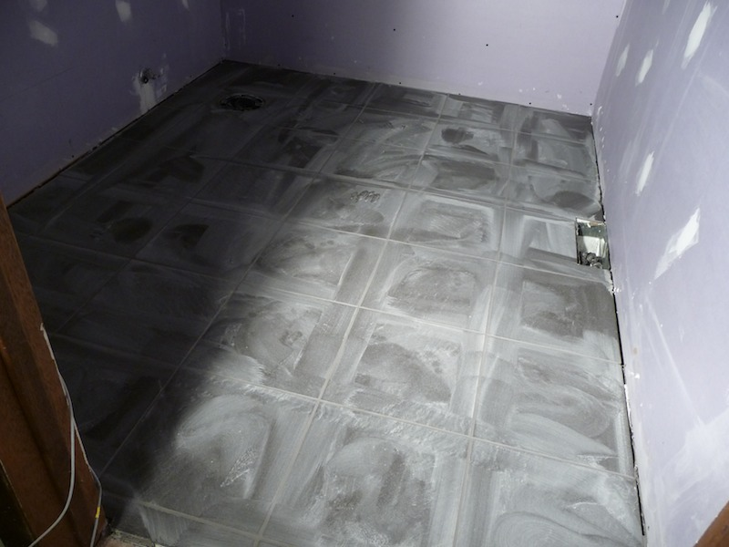 Off work for the next week completely remodeling bathroom-grout2.jpg