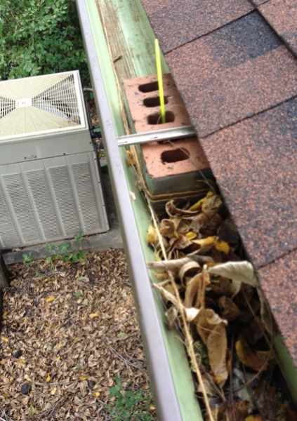 How i clean the gutters how to guides diy chatroom home how i clean the gutters gutter cleaning ll g solutioingenieria Choice Image