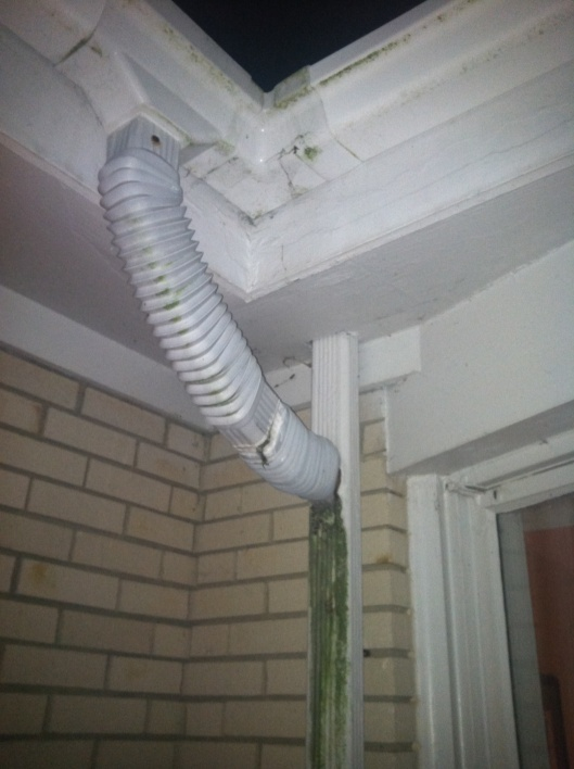 Gutter fitting?-gutter.jpg