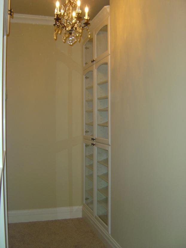Custom Closets-her-closet-01.jpg