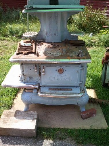 Wood Bishop & Co. Antique cook stove-home-clarion-pickup-768x1024-.jpg