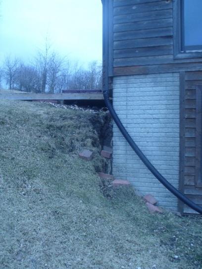 Drainage/Erosion NIGHTMARE!! Please help!-home-erosion3.jpg