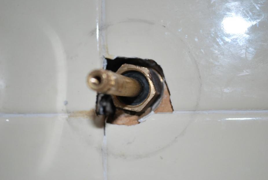 Removing the shower/tub Diverter-house-001.jpg
