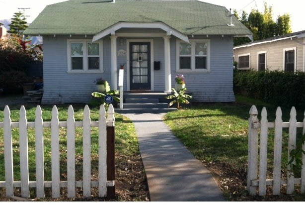 Plant Suggestions For Landscaping Front Of Small House