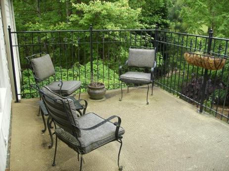 outdoor carpet over rubber membrane-hpim1530-reduced.jpg