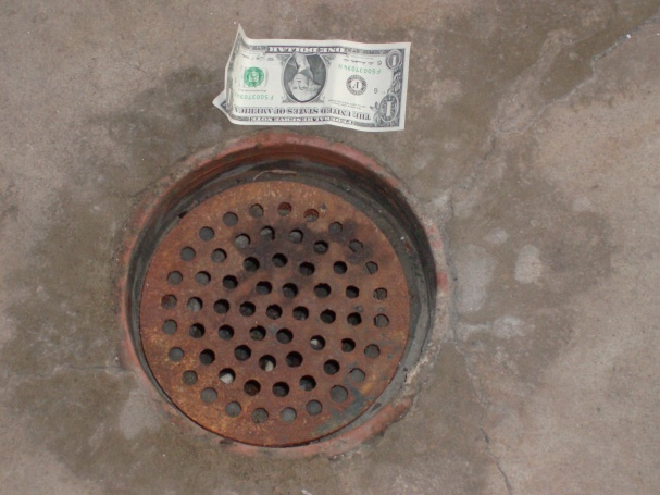 Drain grate too small for drain hole-hpim2066.jpg