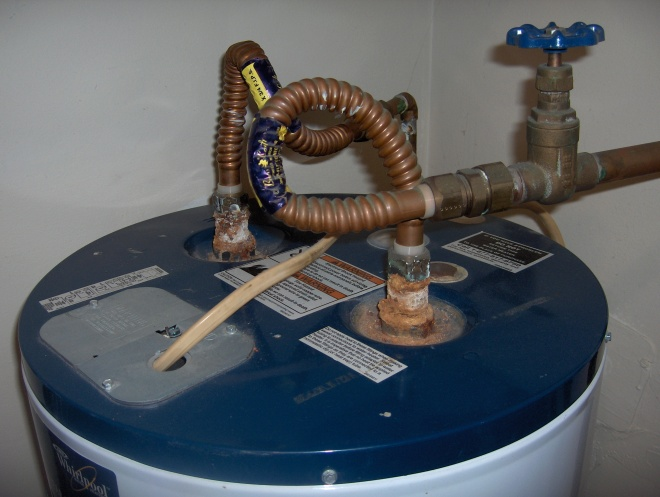 Rusty connecting pipe to Water Heater-hpim4435.jpg