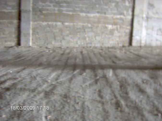 Please advise concrete floor-im000840.jpg