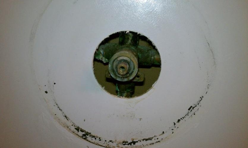 Bathtub Faucet Leak / New Trim Kit Imag0135 ...