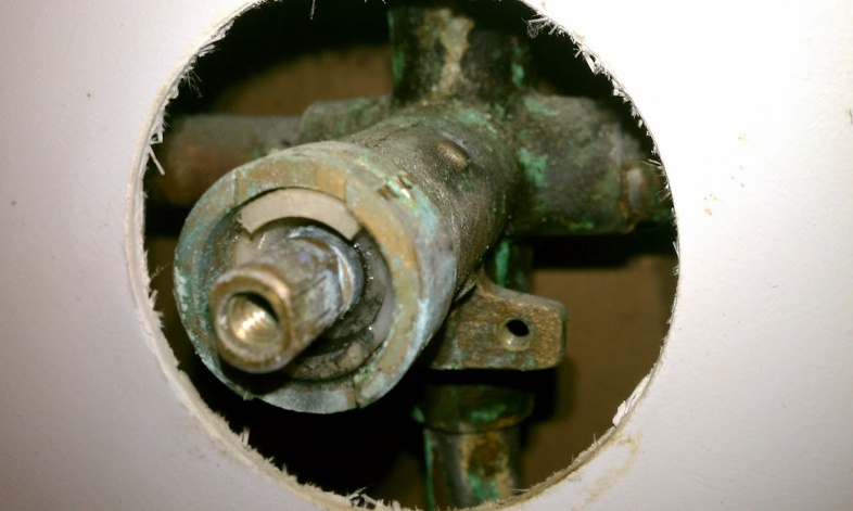 Bathtub faucet leak / new trim kit-imag0138.jpg