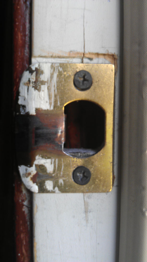 door latch and lock doesn't close properly-imag0210.jpg