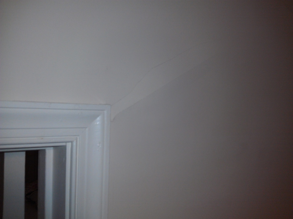 Large gap between door frame and jamb-imag0482.jpg