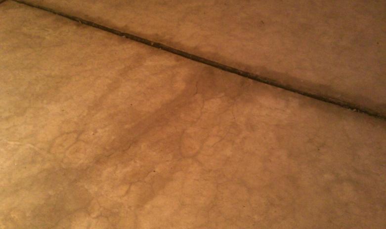 garage water seep through floor?-imag0876.jpg