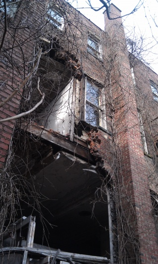 Re: old buildings-imag1128.jpg