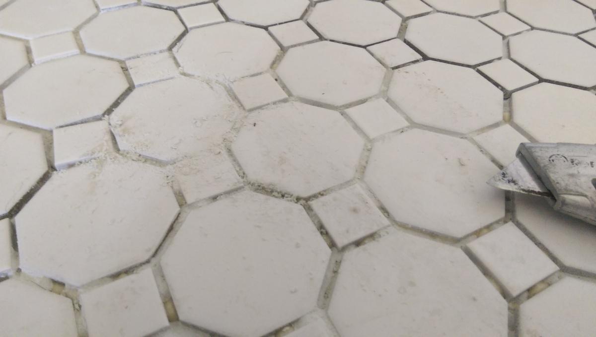 Ceramic tile cove base