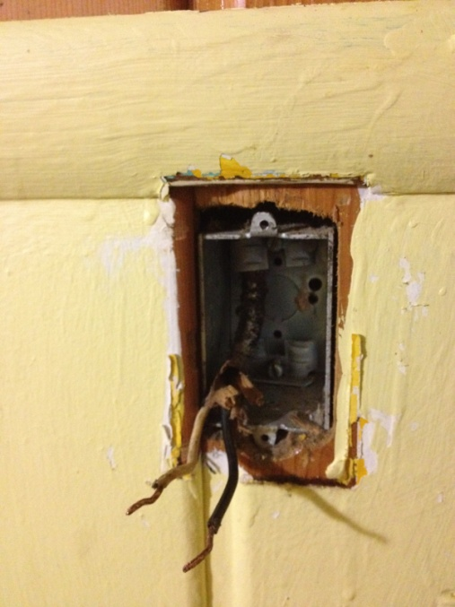 Here is an interesting/odd electrical issue..-image-1104720974.jpg