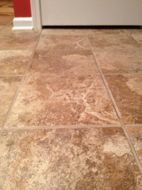 Fix cracked grout-image-1979099354.jpg