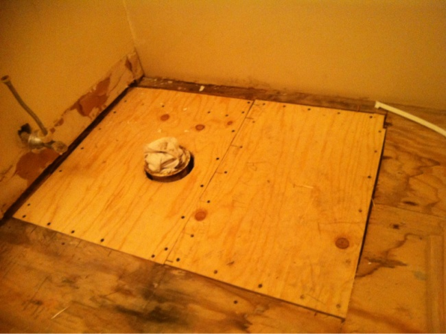 Leveling out plywood floor before tiling-image-2143751826.jpg