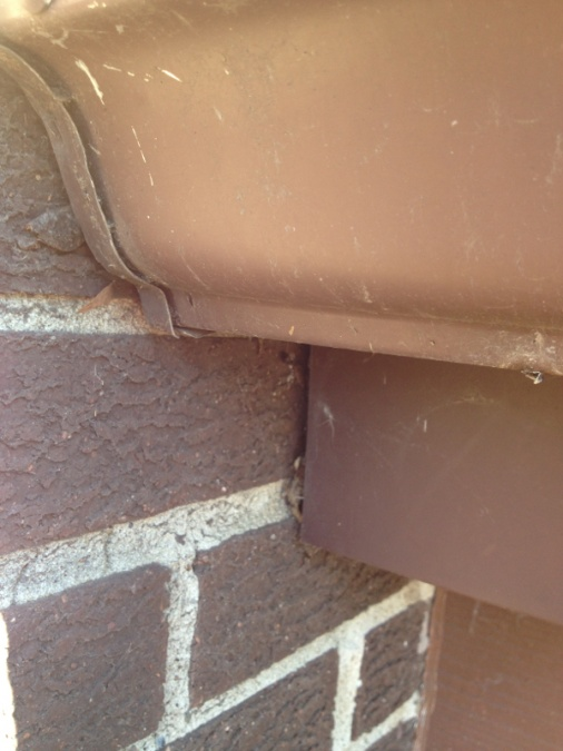 Sealing along chimney flashing-image-2310340866.jpg