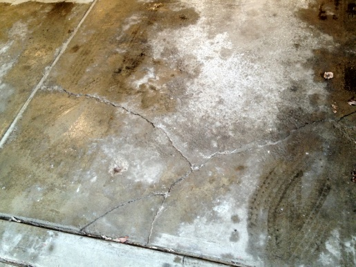 Garage floor cracks-image-2656949802.jpg