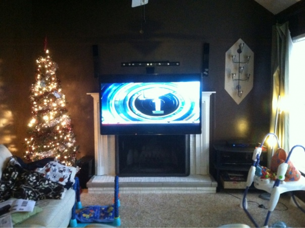Mounting and centering a flat screen-image-3286866118.jpg