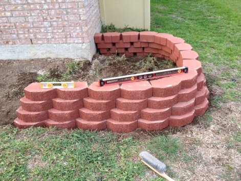 Retaining wall blocks not alligning up-image-3529984667.jpg
