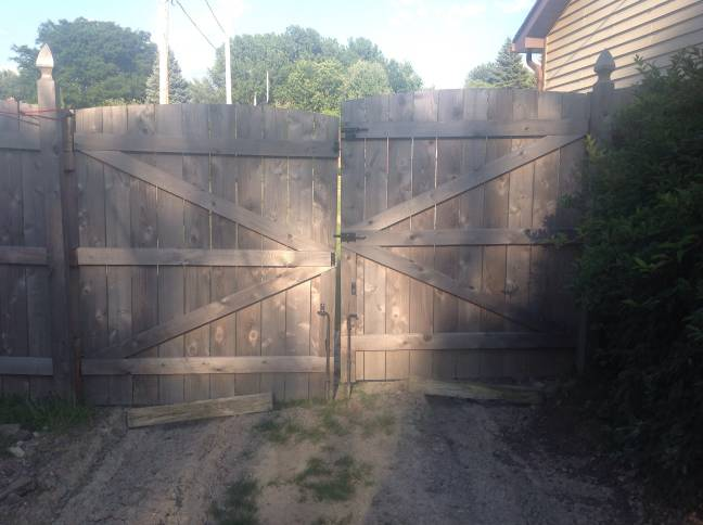 Reattach gate to fence post-image-4.jpeg