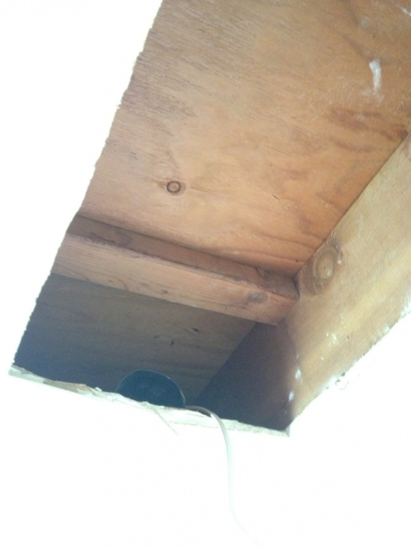 Crossbeam in joist bay- needed? (Vocab approximated)-image-4057093811.jpg