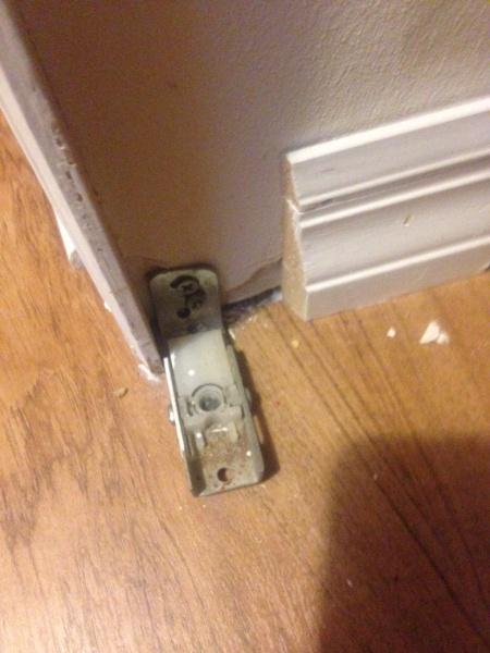 Bi Fold Door Fell Off Image Jpg