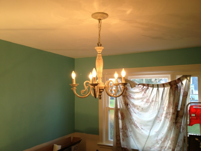 Chandelier wiring problems-image.jpg