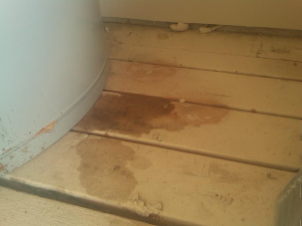 Hot Water Heater-img-20110606-00020.jpg