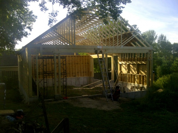 Gambrel roof  / steel roof / insulation-img-20110829-00056.jpg