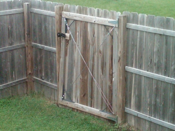 Privacy fence gate install carpentry diy chatroom