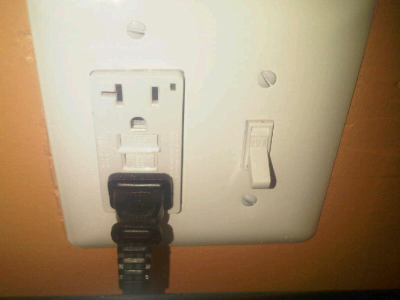 "Power receptacles not installing ""square""-img00036-20100102-1415.jpg"